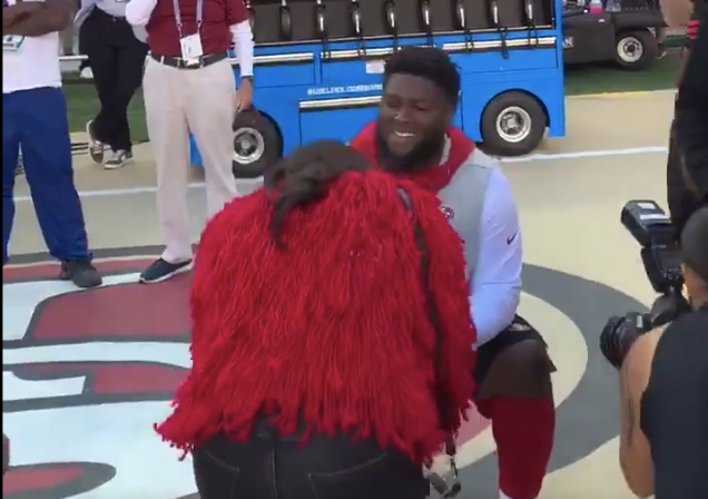 49ers' D.J. Jones PROPOSES to GF on the Sideline